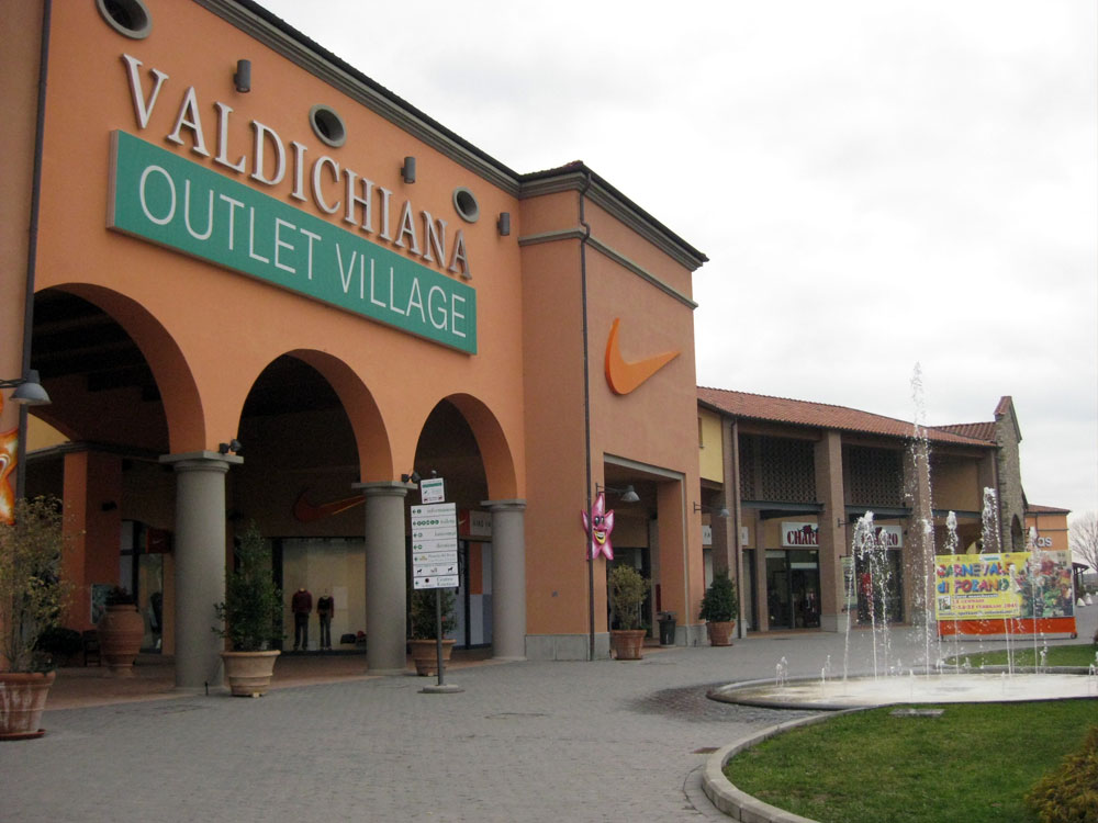 Shopping Outlets And Malls In Tuscany Places Itineraries