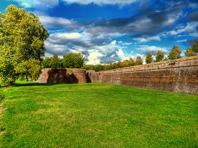 lucca_walls