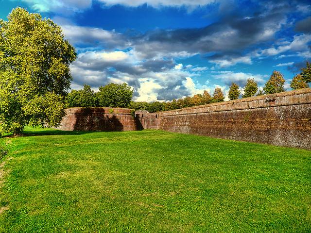 lucca_walls