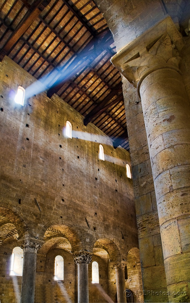 Italy - Abbey Sant Antimo_xl