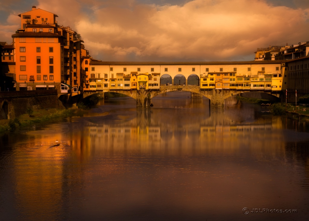 Italy - Ponte Vecchio morning_xl