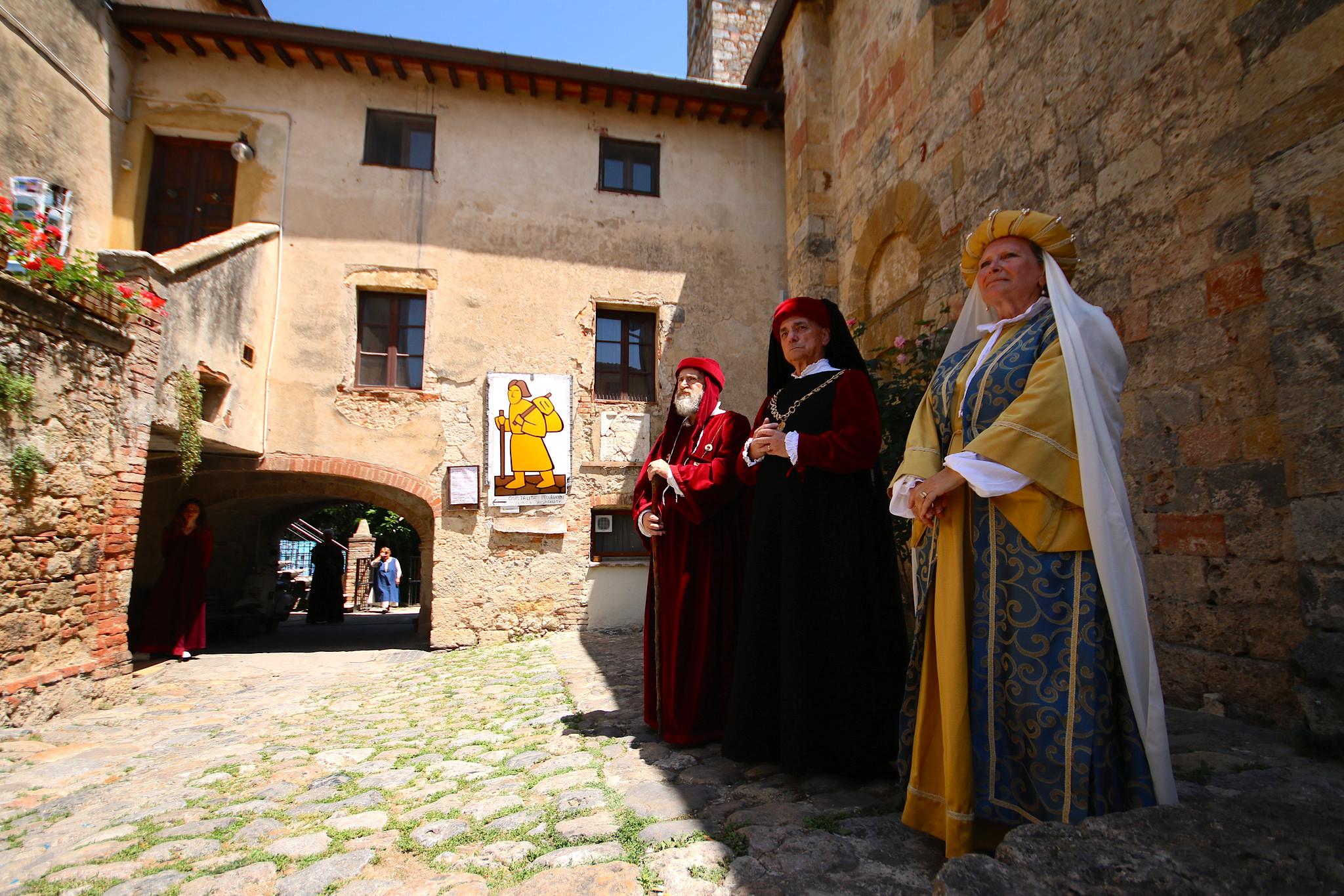 Medieval Feast in Monteriggioni [Photo Credits: Kin