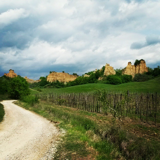 Valdarno-cliffs-Castlefranco-di-sopra-most-beautiful-villages-in-Tuscany-Italy