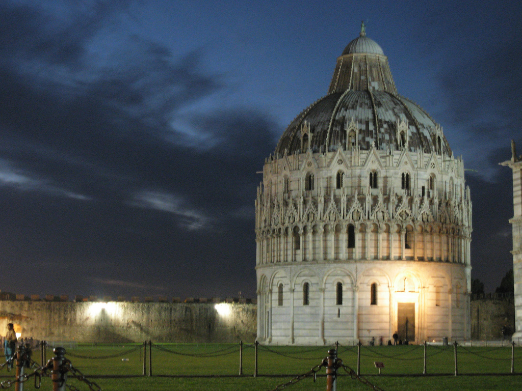 Pisa, Battistero di notte_00716