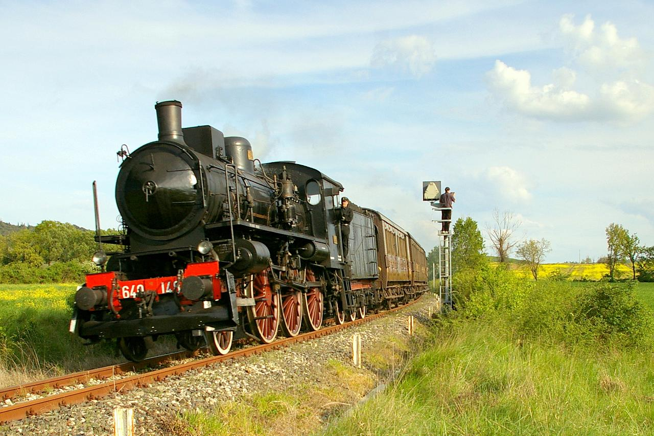 Un viaggio a bordo del Treno Natura [Photo Credits: ghiandol bit.ly/VFf3Ox]