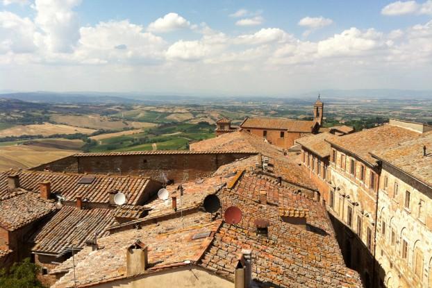 Vista di Montepulciano dalla terrazza del Palazzo Comunale