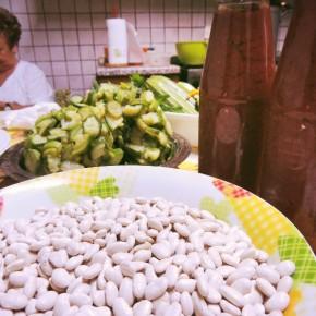 Os feijões brancos para a ribollita Tuscan