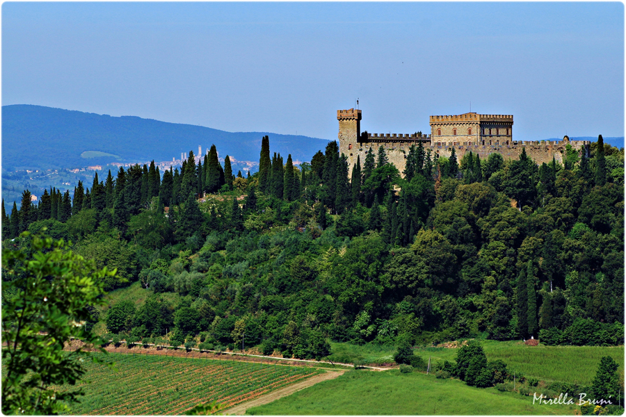 Un castello, tante leggende [Photo Credits: Mirella Bruni]