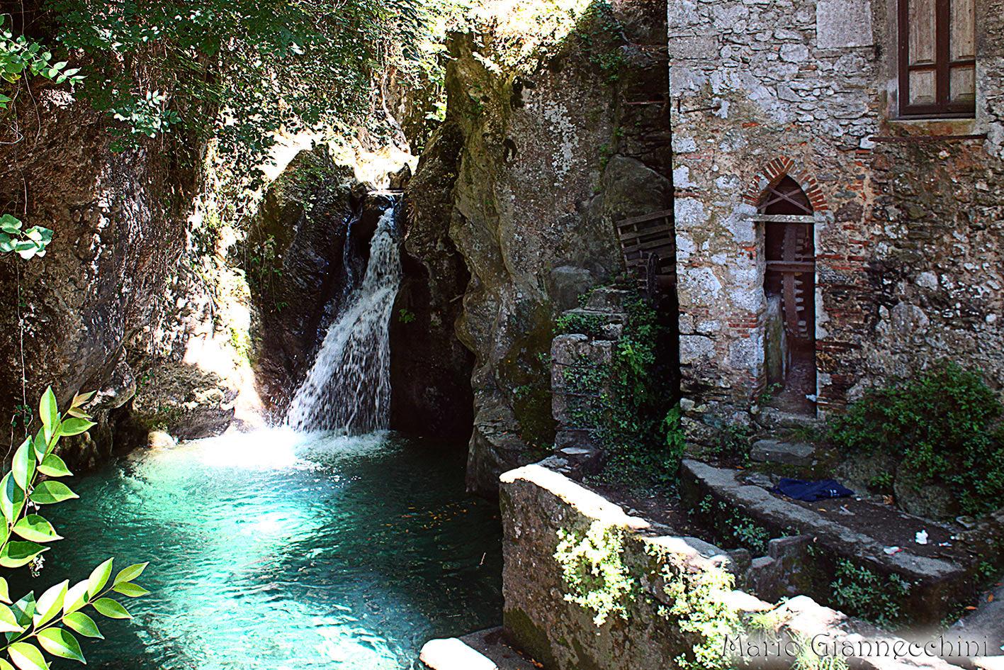 Cascate in toscana un viaggio nelle oasi diari di viaggio for Volantino acqua e sapone toscana