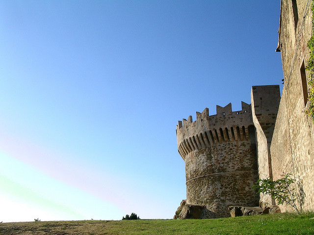 Populonia Castle by flickr user Tripuz