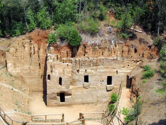 Populonia necropolis