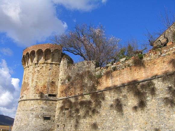 san gimignano wall tuscany