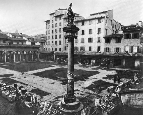 Repubblica square florence