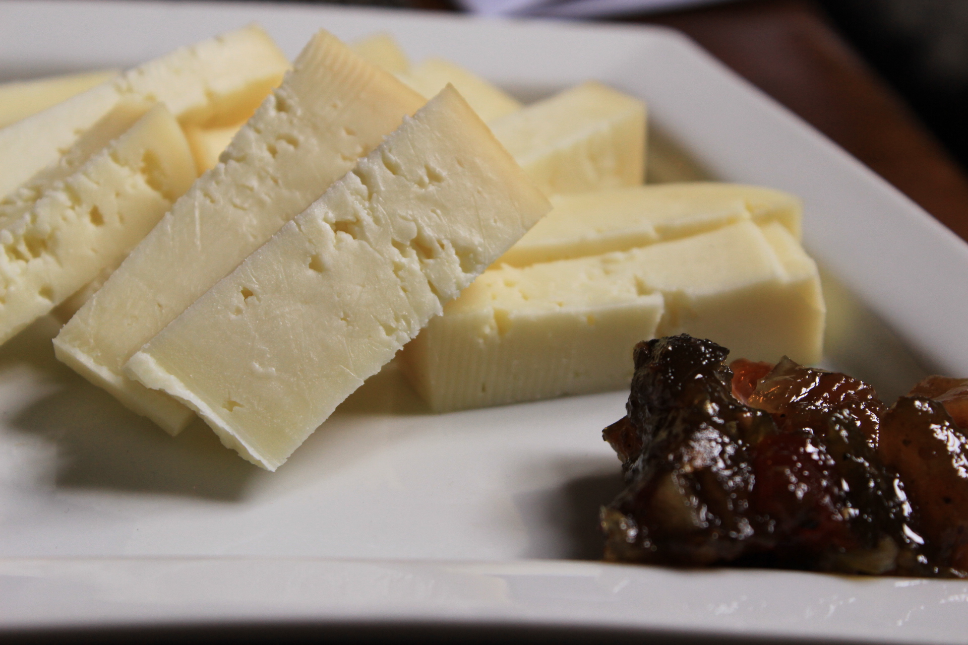 Fresh Pecorino with jam