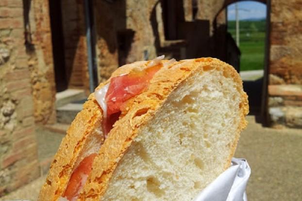 prosciutto-toscano-sandwich